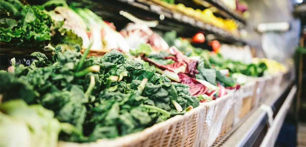 frutas y hortalizas en un supermercado